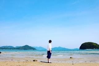 海と女性.jpg
