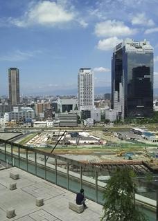 高層庭園と遠景.jpg